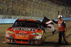Jeff_gordon_with_the_flag_2