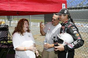 Kyle_petty_with_fans