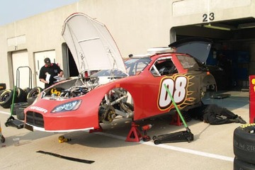 Joe_nemechek_07_indy_garage