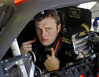 Travis_kvapil_in_car