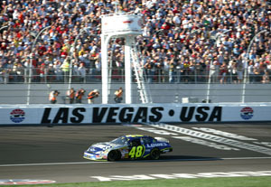 Jimmie_johnson_crosses_finish_line_at_la